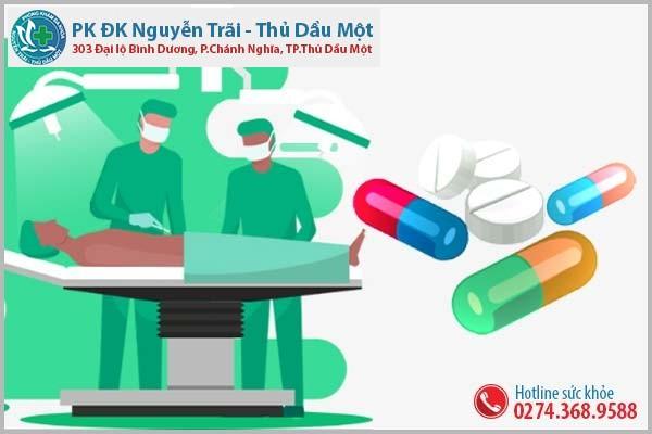 Dùng thuốc hoặc phẫu thuật tùy theo nguyên nhân và mức độ bệnh